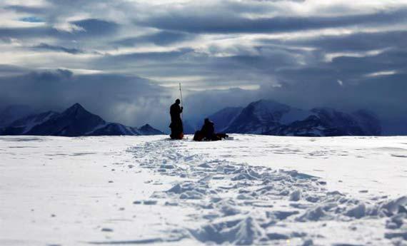cientificos-y-antartica-0316