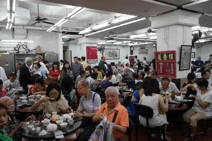 Ganz normaler Betrieb bei Lin Heung, Hong Kong