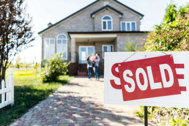 real estate guerilla marketing - 7 Must-Have Real Estate Marketing Materials - Chilliprinting