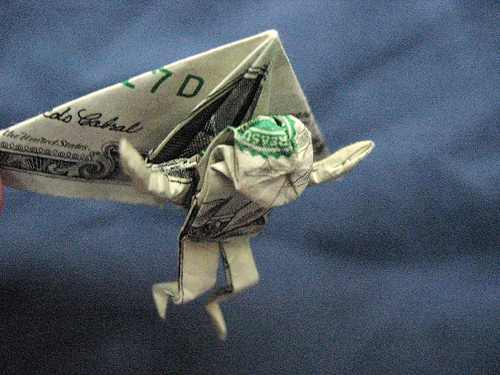 O dinheiro voa...