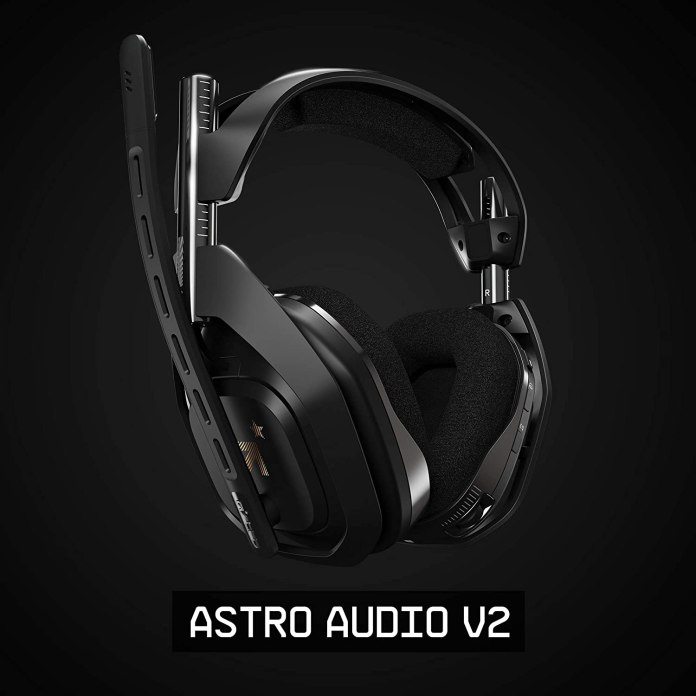 Noise cancelling gaming headphones