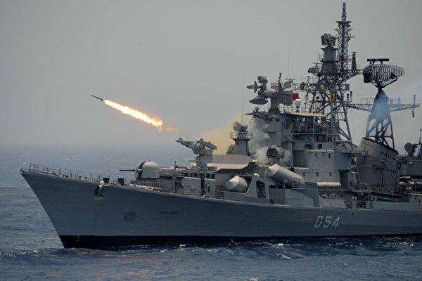"""中印""""暗战""""升级?  中国11军舰集结印度洋"""