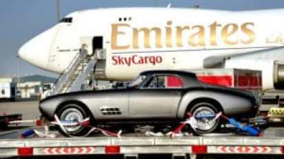 Перевозка автомобиля самолетом – услуга для богатых