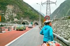 Oh nein, noch weitere 5 Km Tunnel.