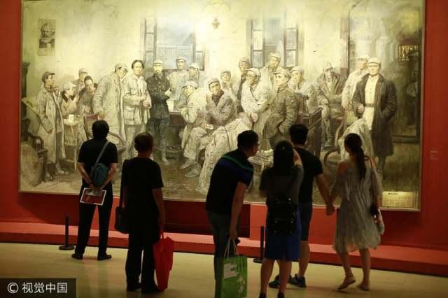 Art exhibition celebrates 90th anniversary of PLA's founding