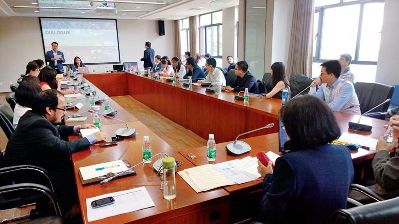 Diálogo entre jóvenes chinos y latinoamericanos