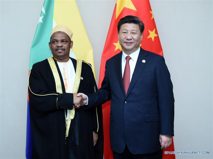 Xi exhorta a China y a Comoras a ampliar cooperación económica