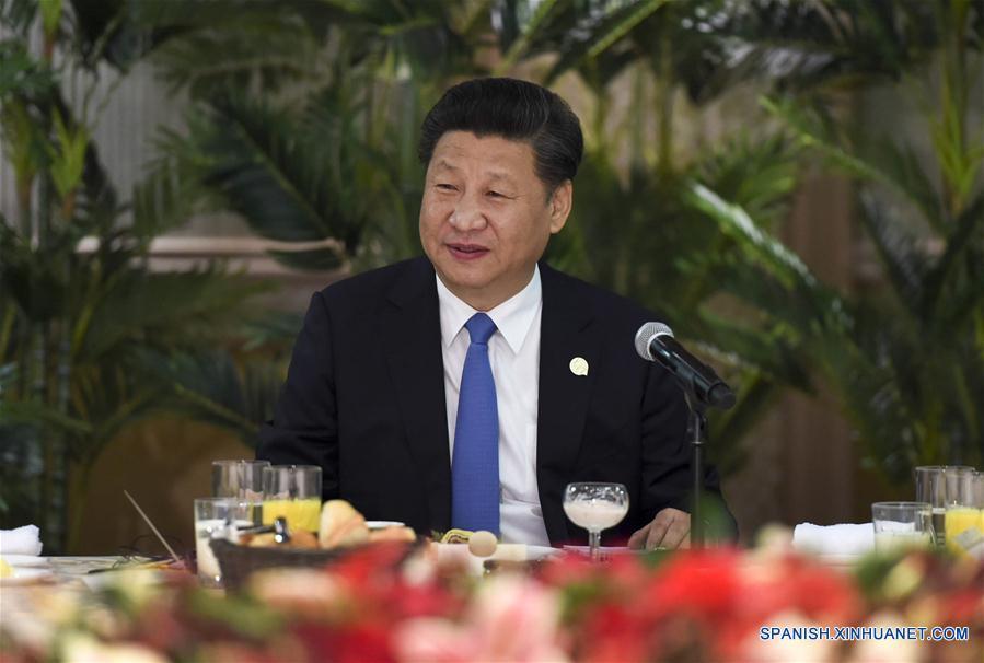 Presidente chino y líderes africanos debaten estrategia de desarrollo