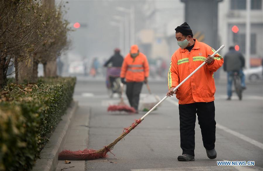 Xinjiang recluta a más de 10,000 funcionarios públicos en 6 años