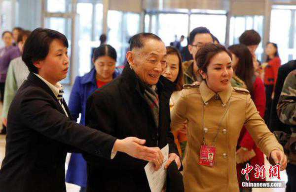 El cantante de ópera de Beijing Mei Baojiu presenta su propuesta en la CCPPC