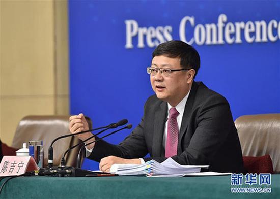 Ministro chino reconoce mejoras significativas sobre calidad del aire