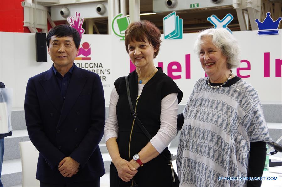 ESPECIAL: Escritor chino Cao Wenxuan recibe Premio Hans Christian Andersen