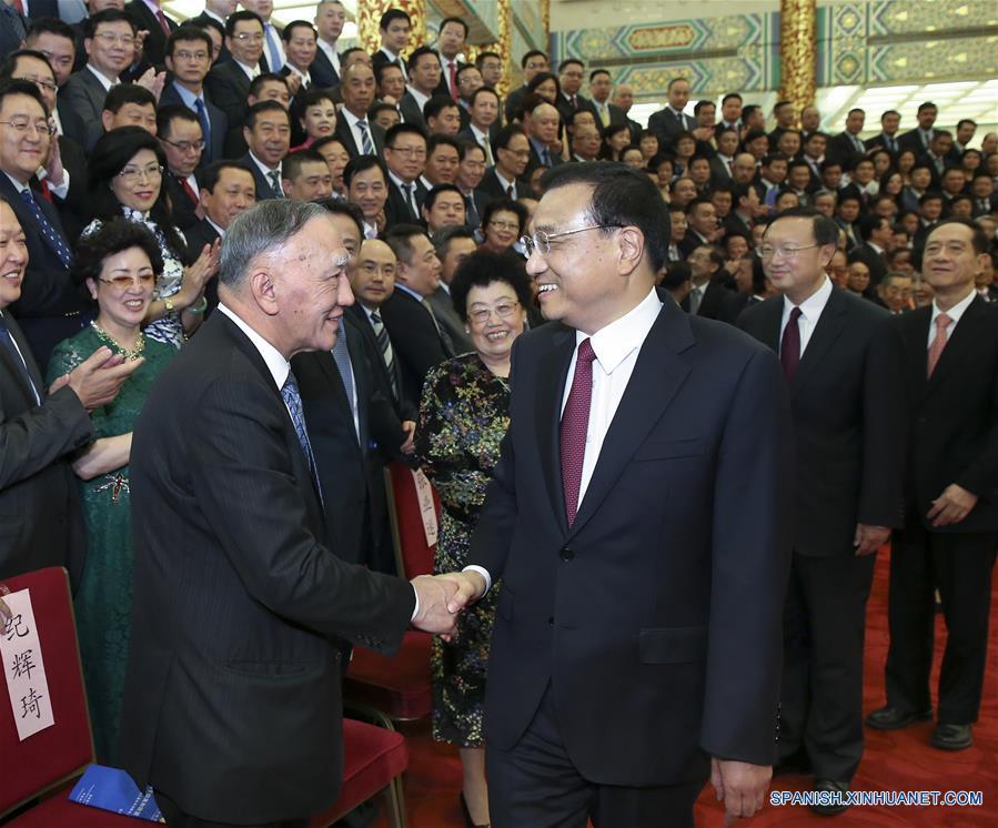 Primer ministro chino espera contribución de chinos de ultramar