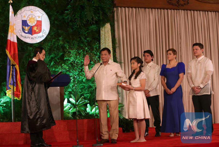 Xi felicita a nuevo presidente filipino por su investidura