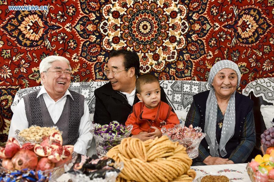 Funcionario uygur: No existe discriminación contra la gente de Xinjiang