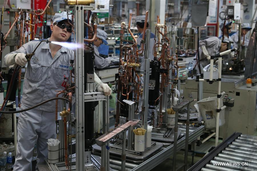 China registra 282 millones de trabajadores migrantes rurales a fines de 2016
