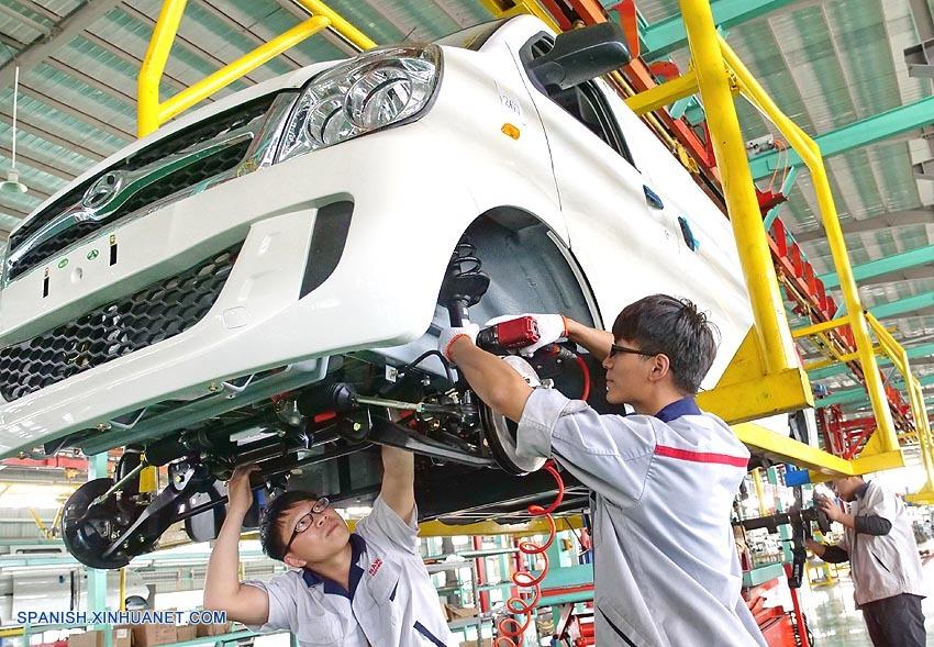 China desestima decisión de rebaja de nota de Moody's