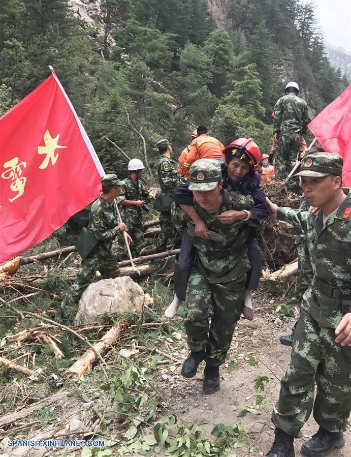 Presidente Xi pide asistencia total tras sismo de 7,0 en suroeste de China