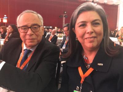 Con Claude Smadja, miembro del Comité Organizador de la Cumbre y reconocido experto en asuntos de China.