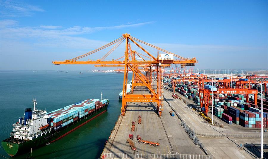 Comercio de mercancías de China sube 16,6 por ciento de enero a septiembre