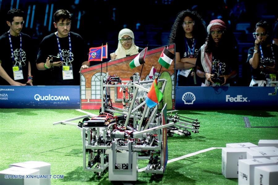 Jóvenes de 193 países buscan resolver desafíos de ingeniería en siglo XXI en Mundial Robótica