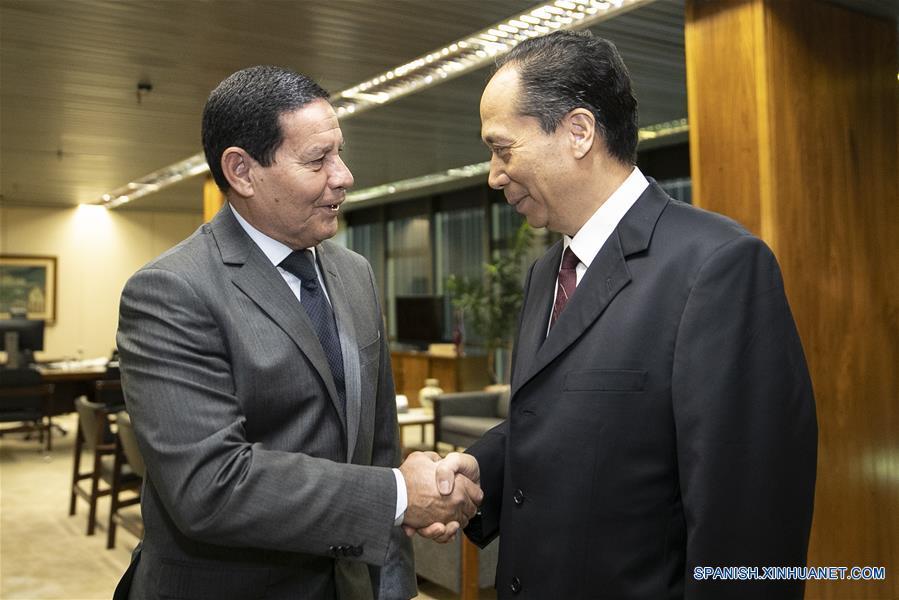 Enviado especial del presidente chino se reúne con Bolsonaro en Brasilia