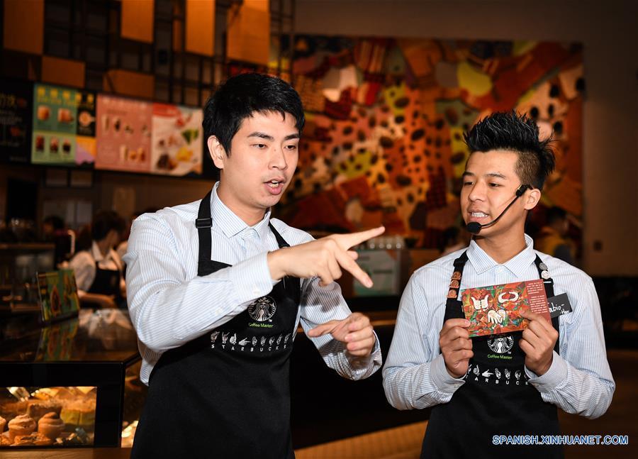 """Starbucks abre """"cafetería silenciosa"""" en Guangzhou"""