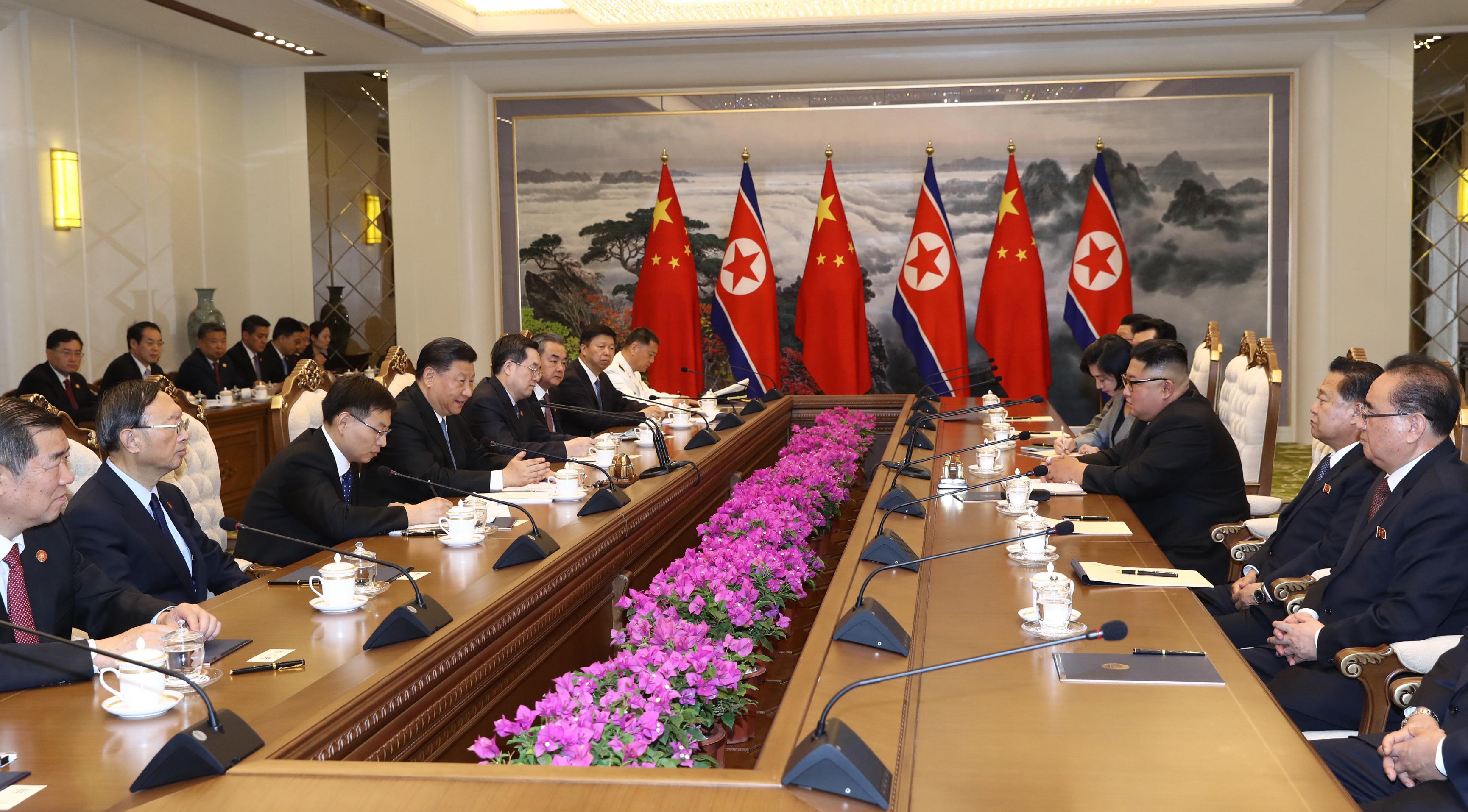 Xi dice que China apoya solución política de cuestión de península coreana