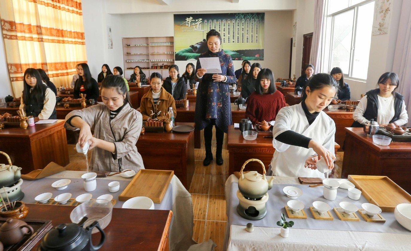 Nueva directriz mejorará educación preparatoria de China