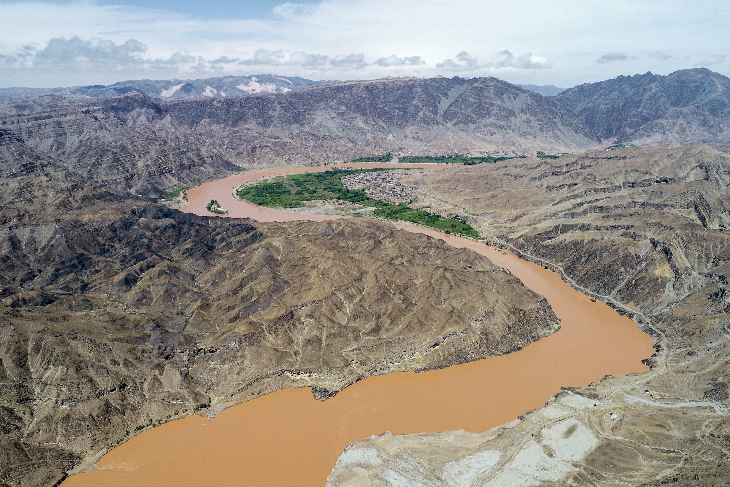 Máximo legislador de China destaca importancia de nueva legislación para proteger río Amarillo