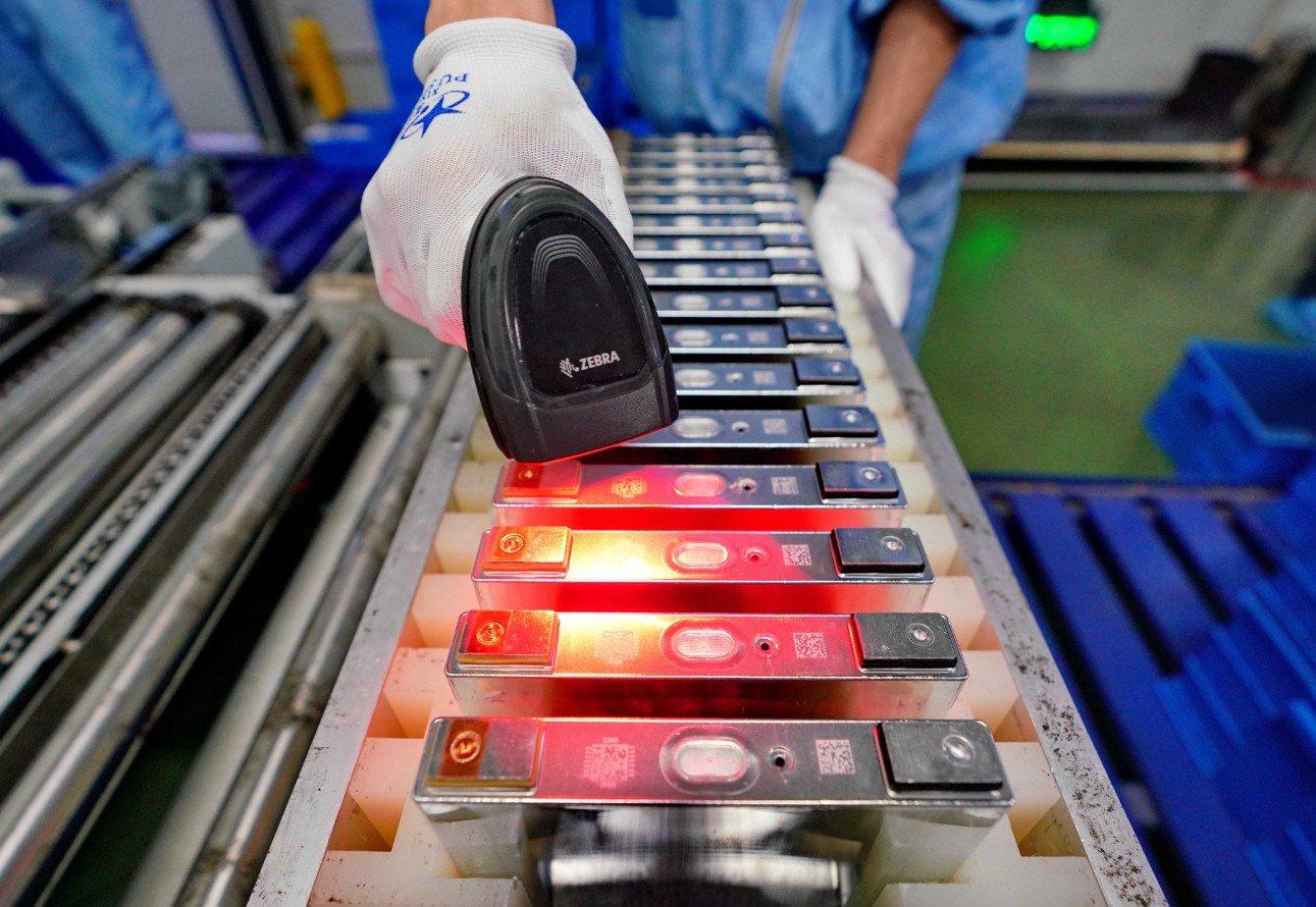 Acelera crecimiento de producción industrial de compañías privadas y pequeñas empresas de China