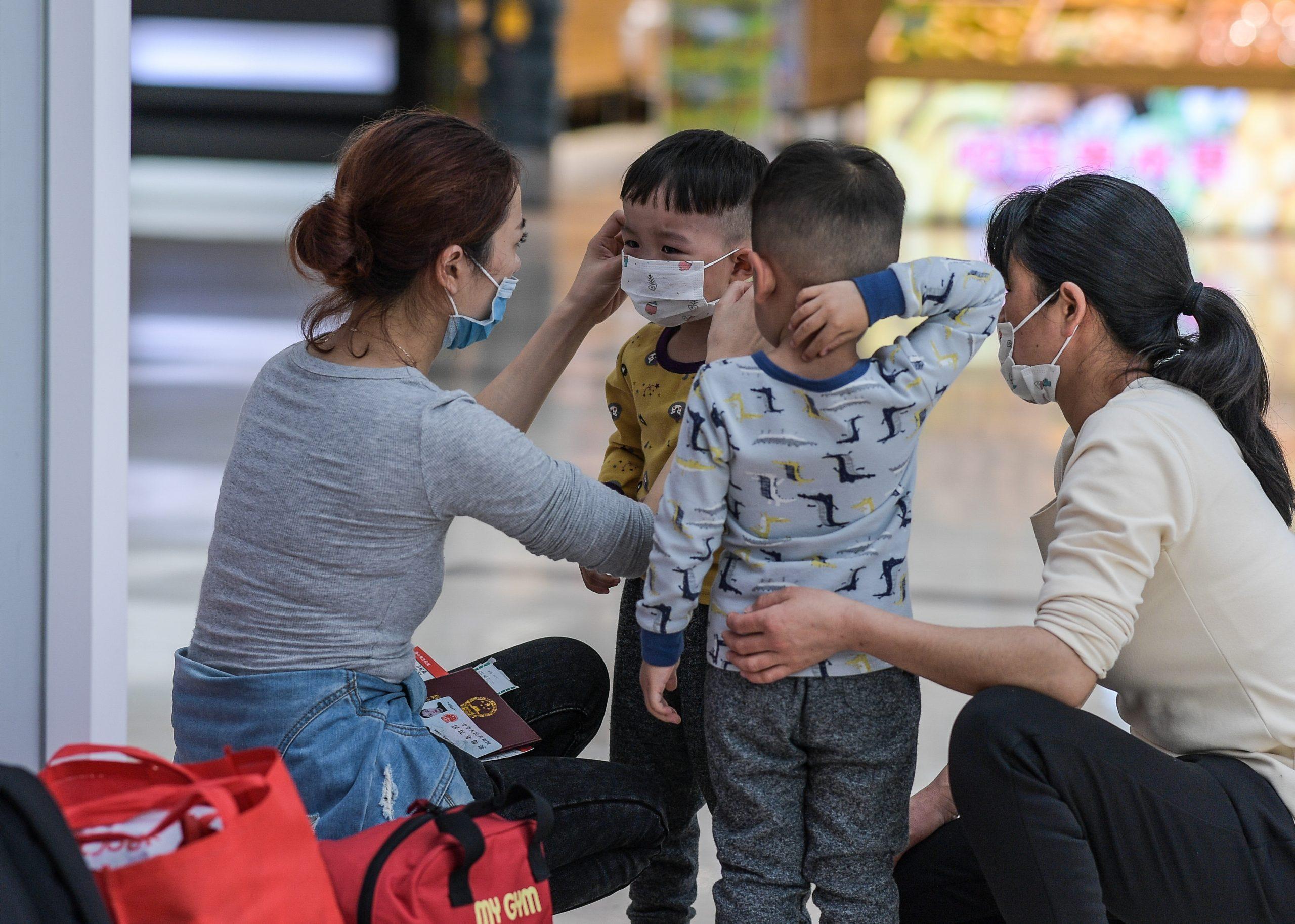 Sistema legal chino garantiza plenamente los derechos de mujeres y niños, refiere libro blanco