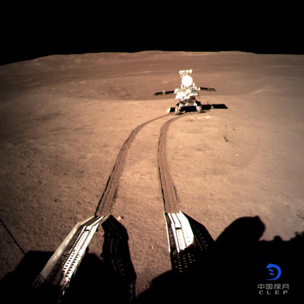 Explorador lunar de China recorre más de 357 metros en el lado oculto de la Luna