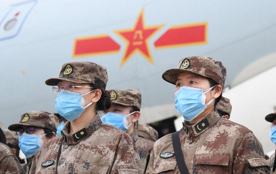 China envía a Wuhan otros 2 mil 600 médicos militares