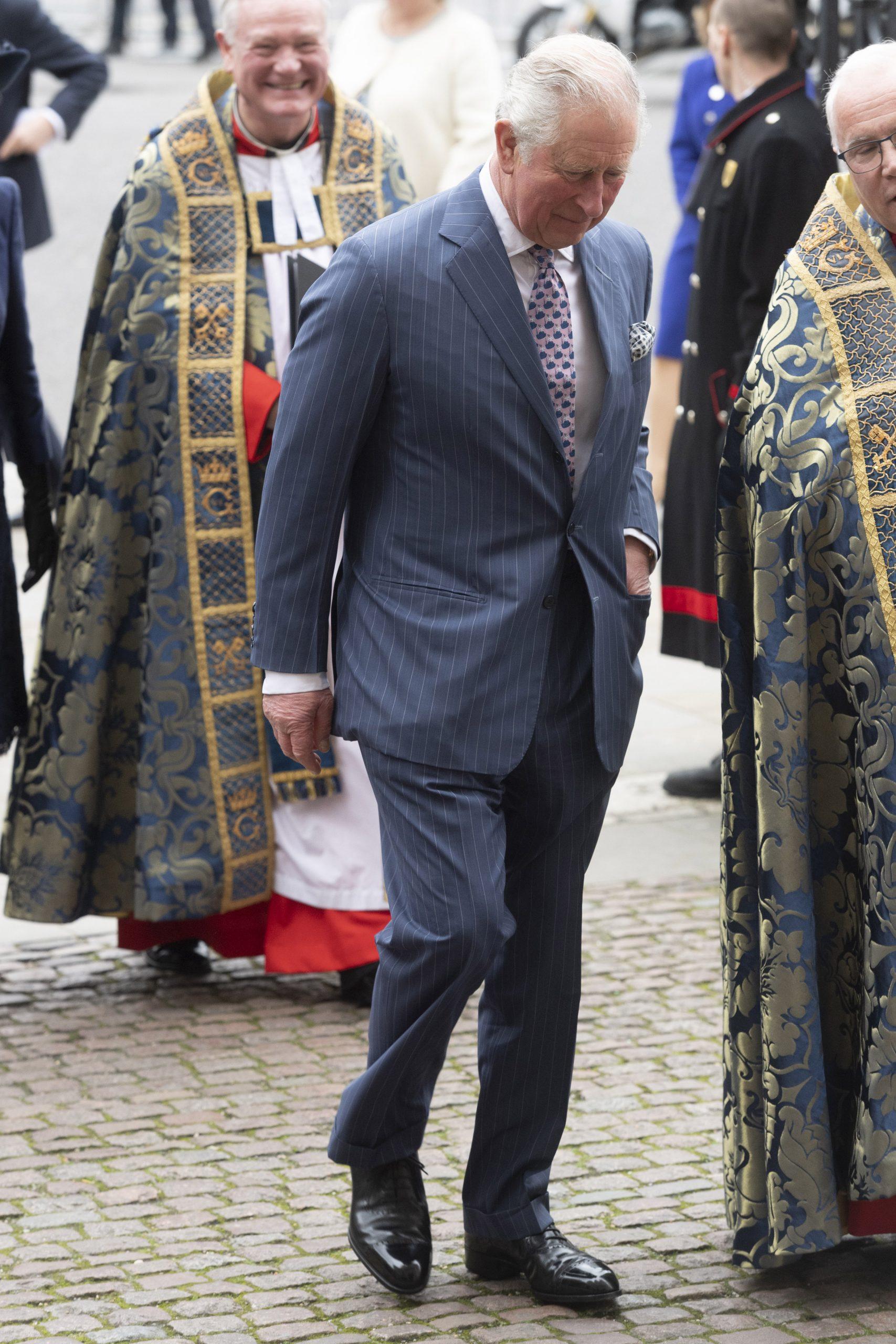 Príncipe Carlos de Reino Unido sale de autoaislamiento tras contraer coronavirus