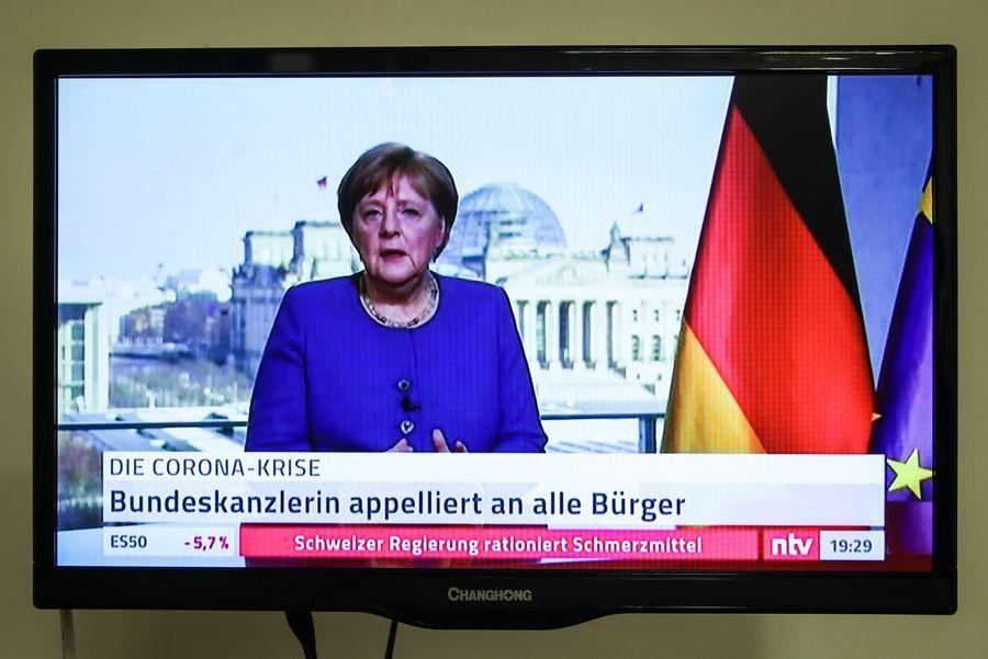 Merkel regresa a su oficina tras terminar autocuarentena
