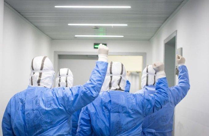 Paciente chino de COVID-19 sometido a 111 días de terapia ECMO es dado de alta de hospital