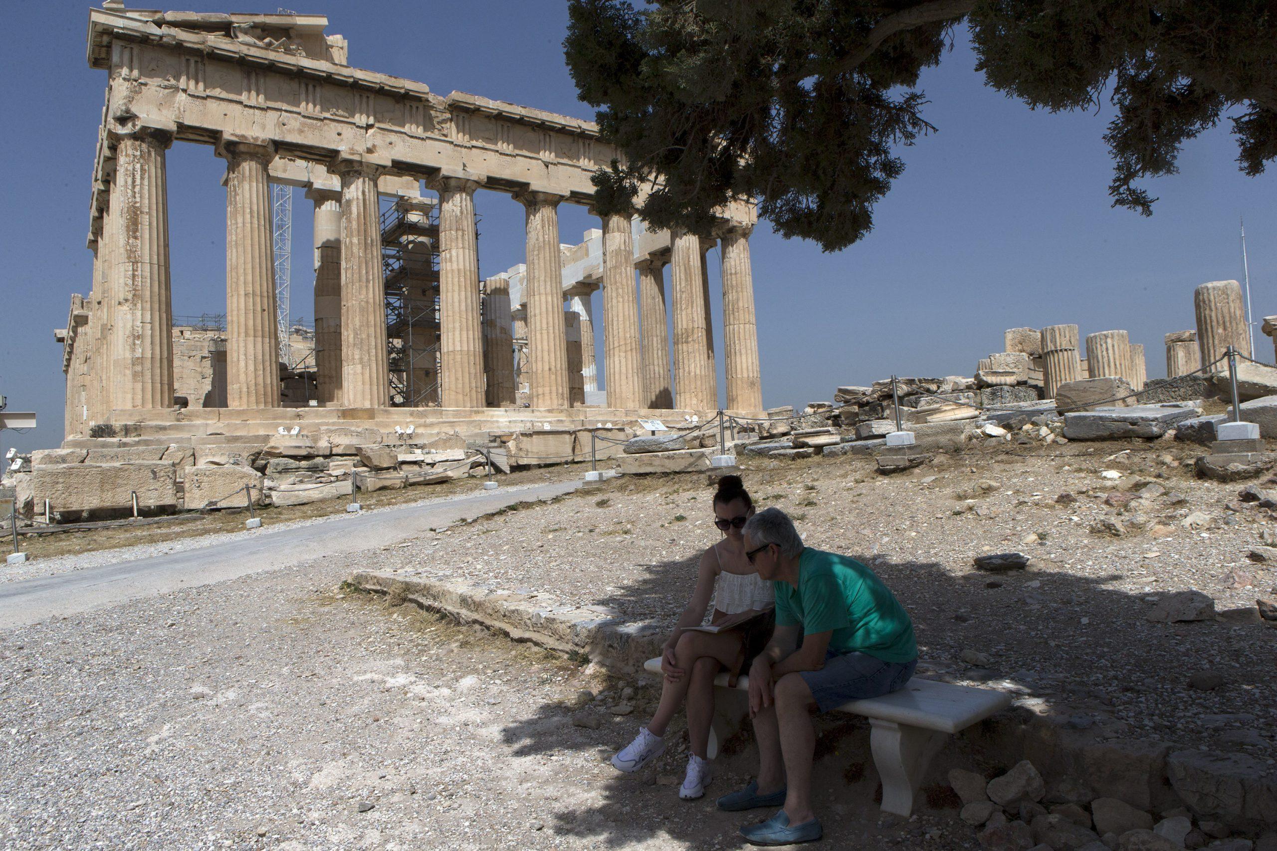 Grecia publica primera lista de 29 países que podrán enviar turistas a partir de mediados de junio