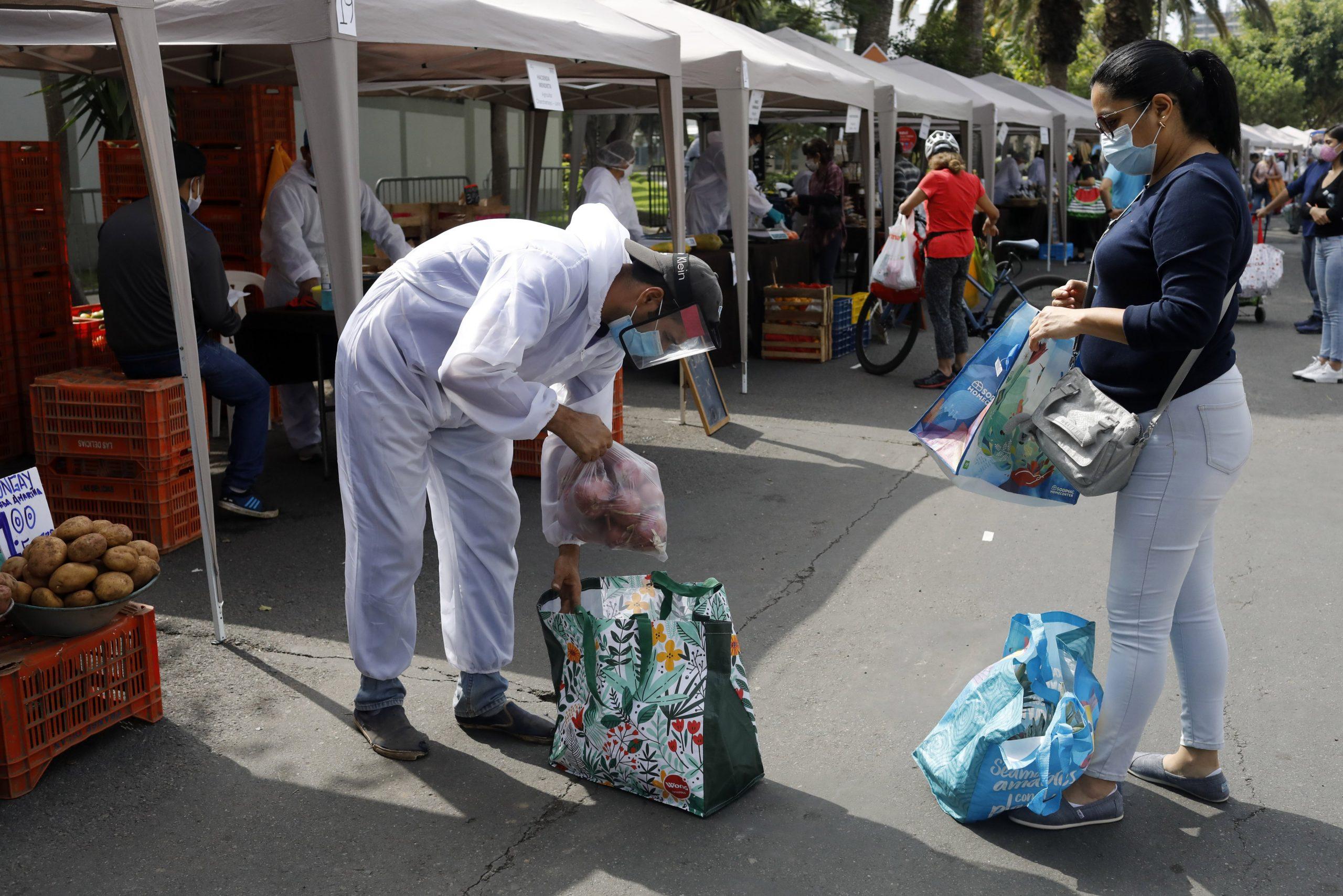 RESUMEN: Pandemia sin tregua en América Latina y el Caribe, región en proceso de desconfinamiento social para reactivar economía