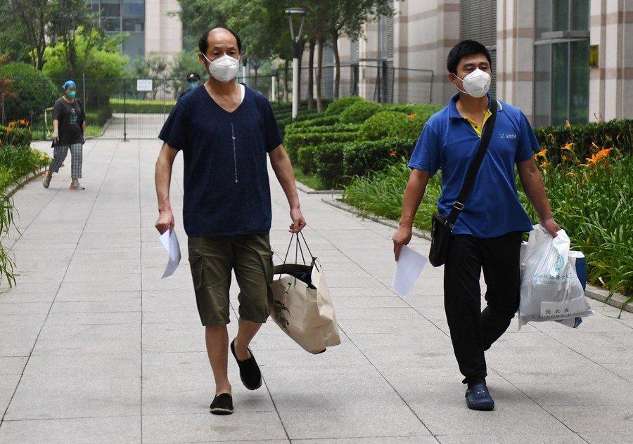 China enjuicia a 5.565 personas por afectar control de epidemia en primer semestre