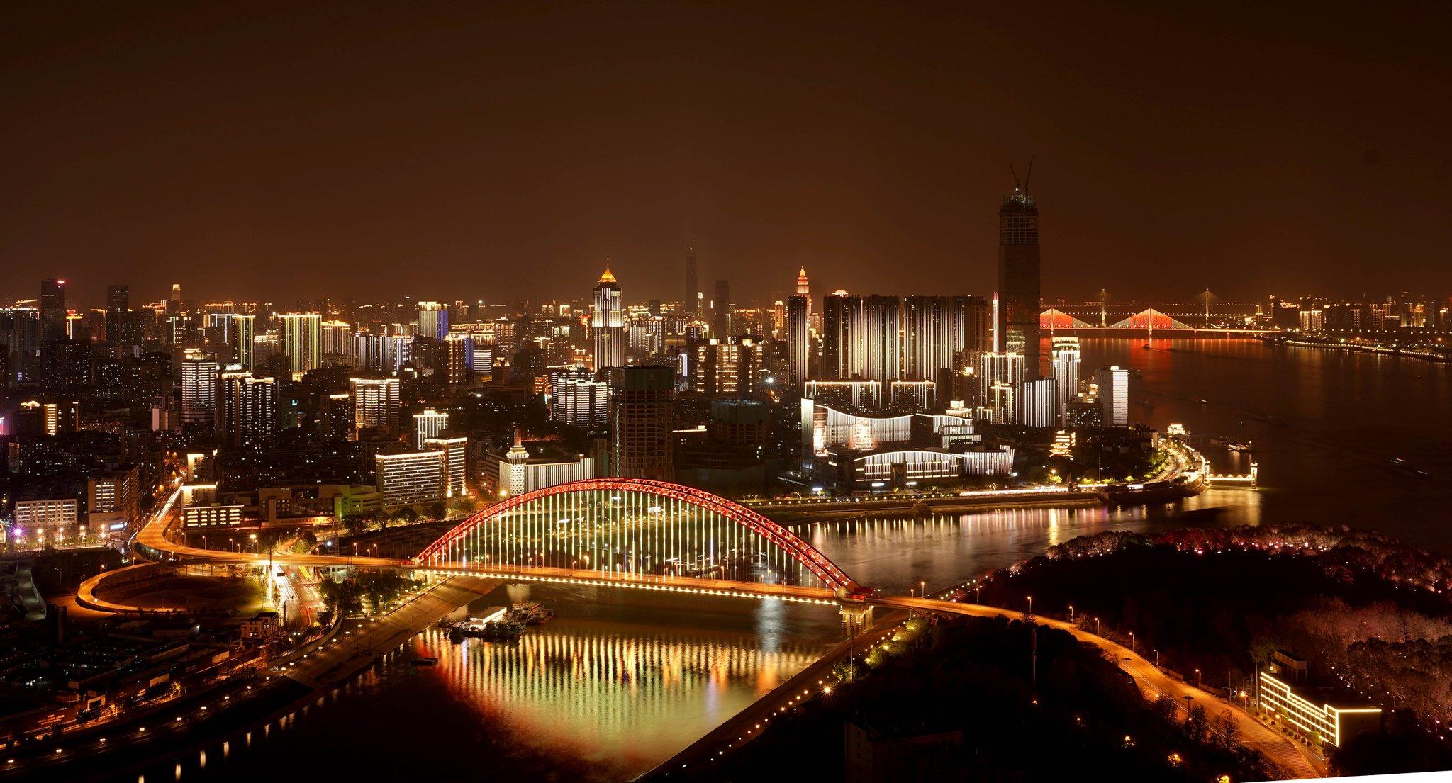 Wuhan celebrará festival de la cerveza y estimulará la economía nocturna