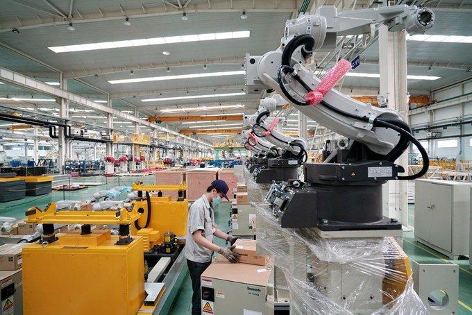 Disminuye promedio de edad y mejora formación del personal de ciencia y tecnología de China