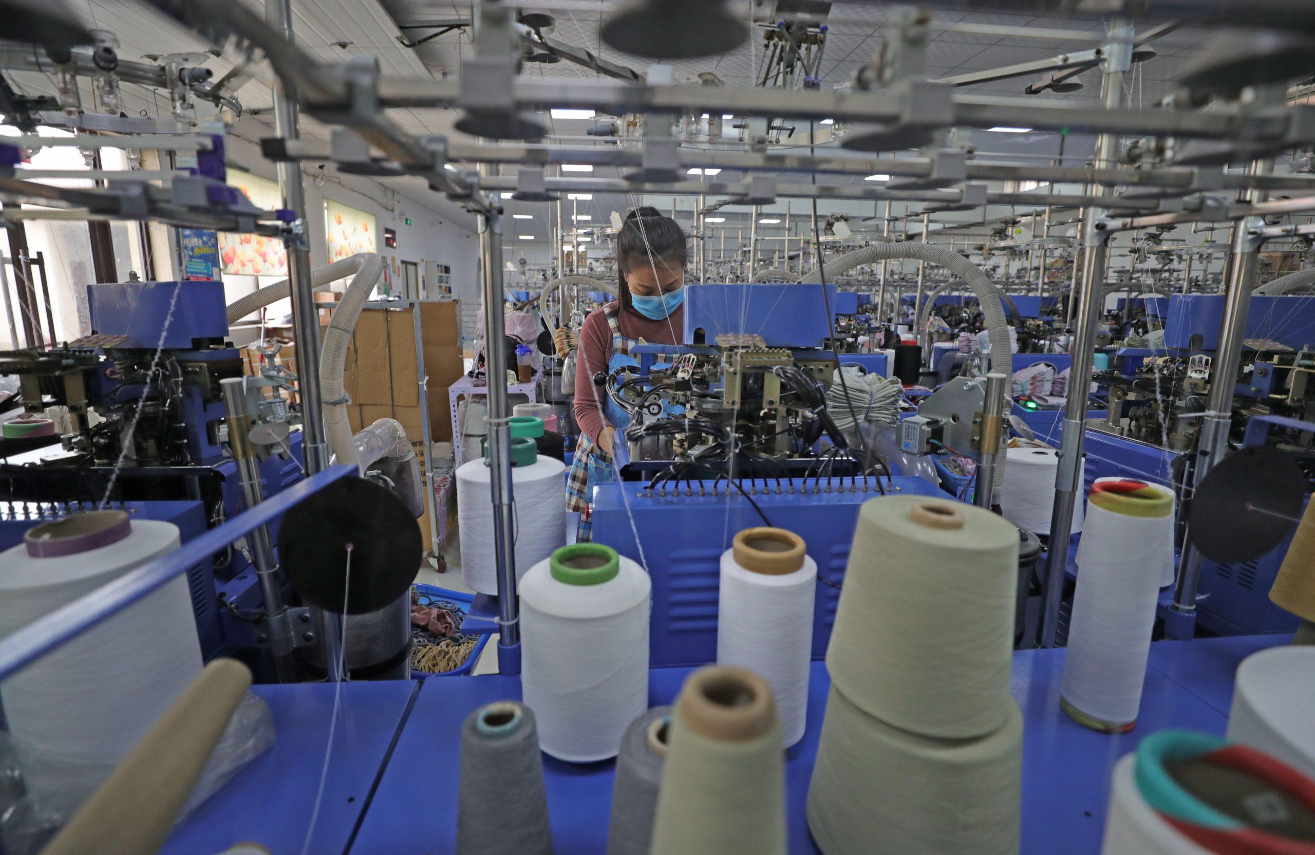 Millones de trabajadores migrantes chinos permanecen en lugares de origen por COVID-19
