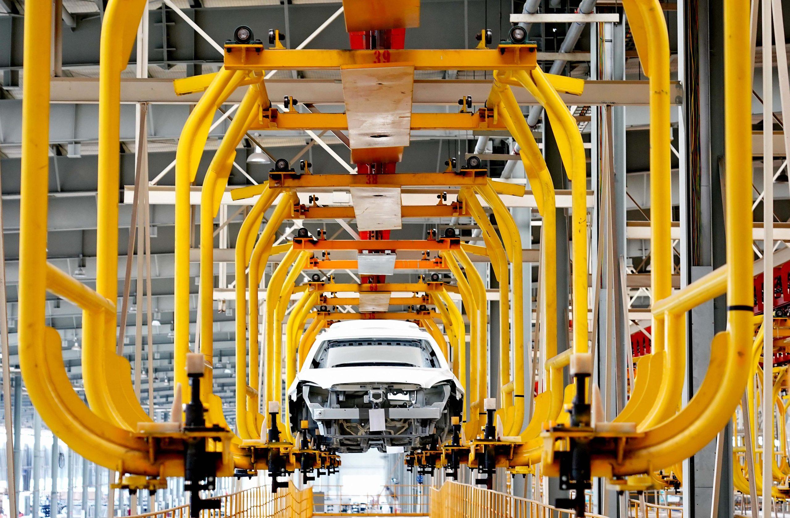 Ventas de vehículos de nueva energía de China reportan notable aumento en agosto
