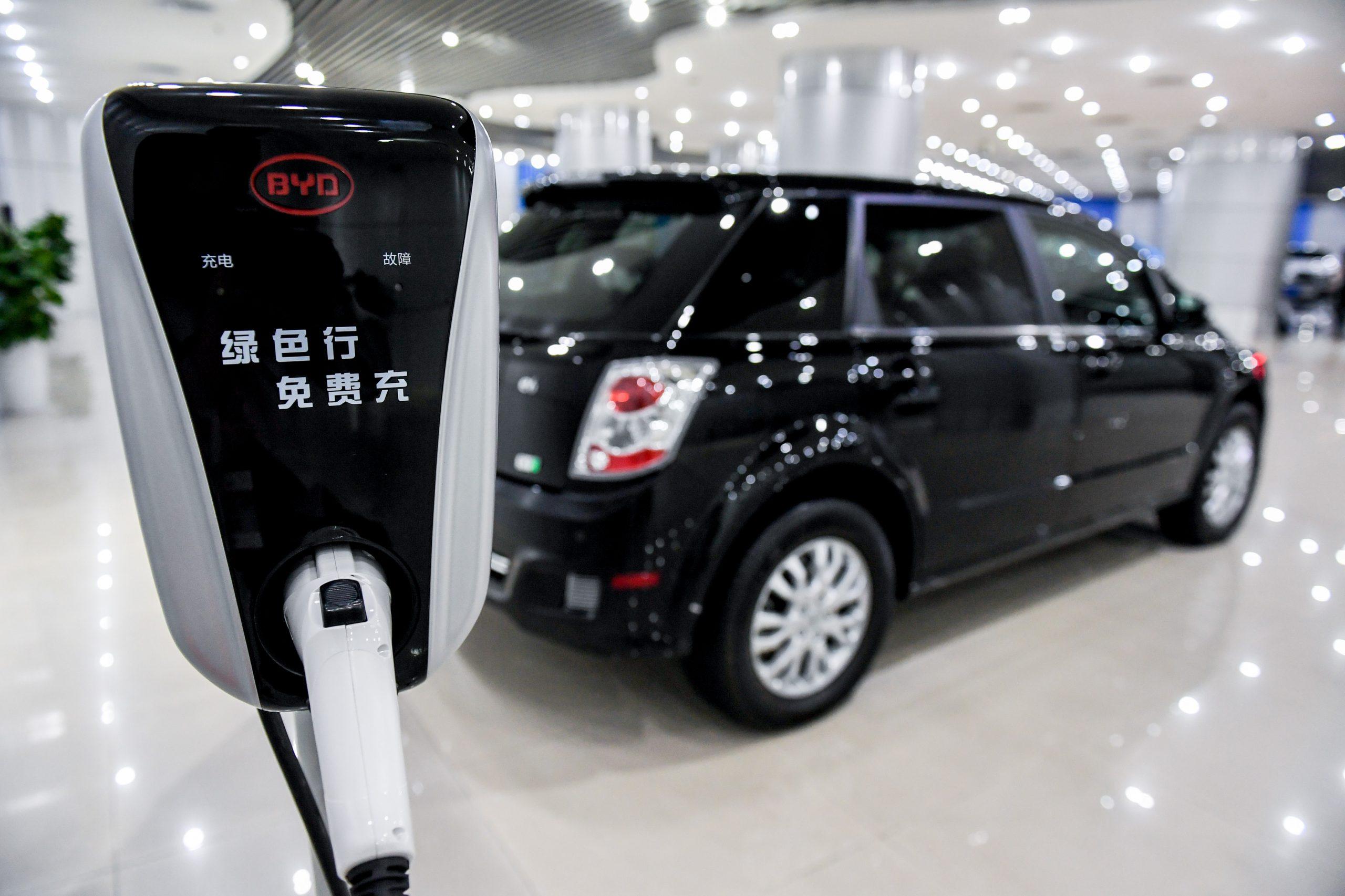 Ventas de vehículos de nueva energía de China aumentarán un 54% en 2021, según informe