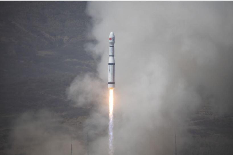 Empresa china lanza prototipo de nave de minería espacial