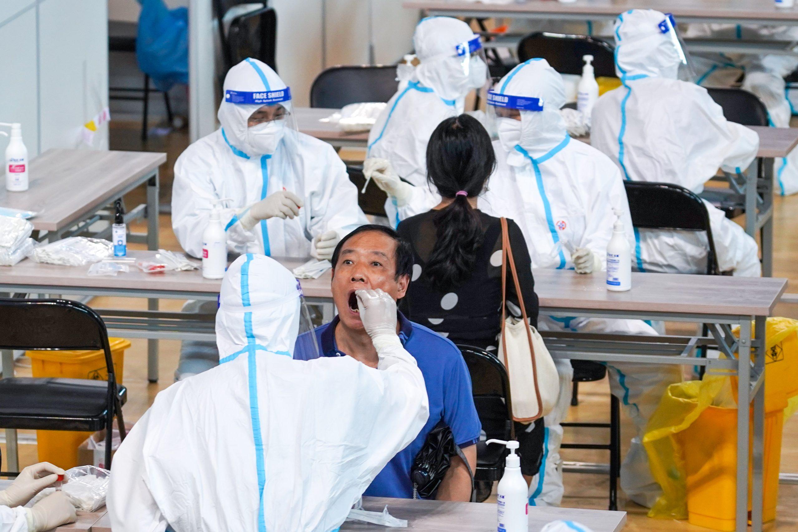 Diecisiete provincias chinas informan casos de COVID-19 de transmisión local o asintomáticos