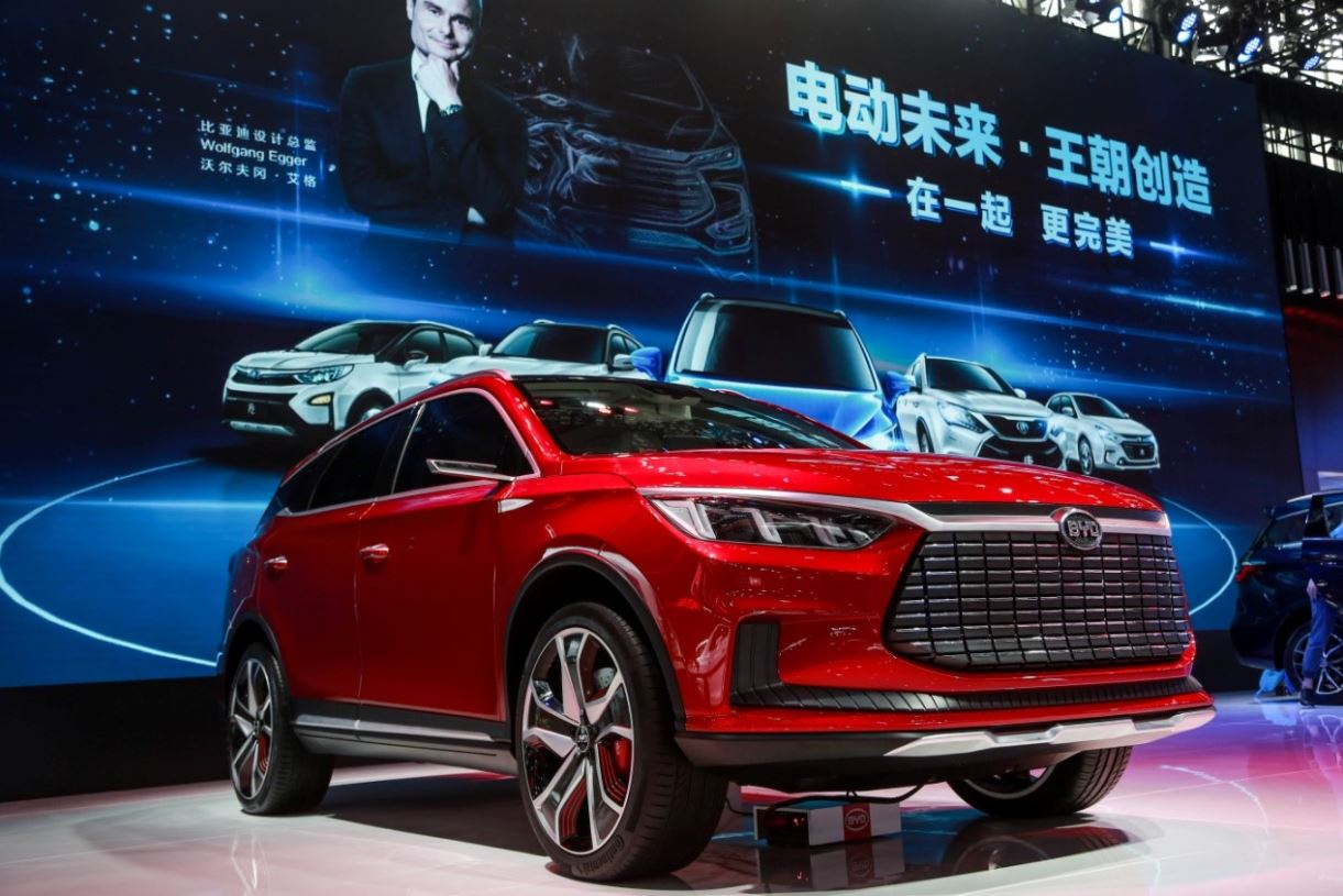 Ventas de automóviles de China crecen 13,7 % entre enero y agosto