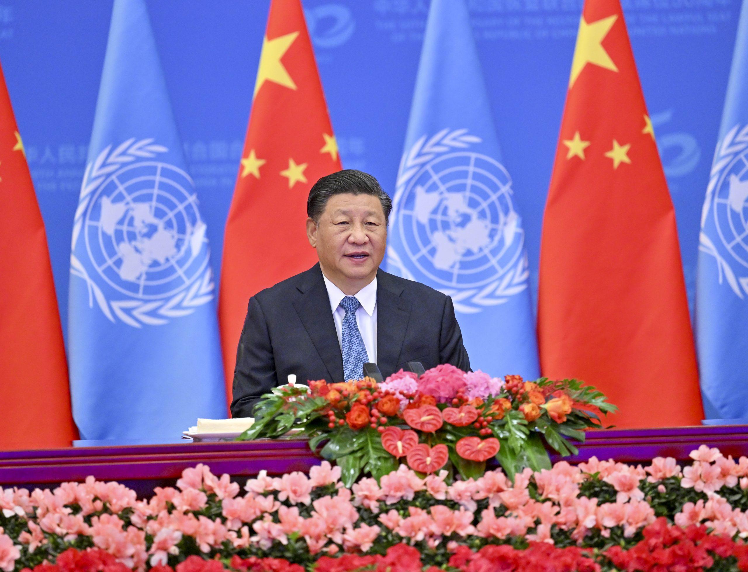 Pueblo chino hace grandes aportes a paz y desarrollo globales, sostiene Xi