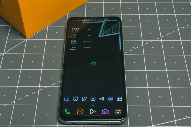 realme 6 display a 90Hz